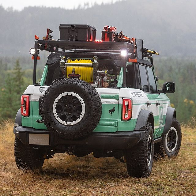 Filson Ford Bronco Trail Fire Rig - Fire Crew Build